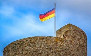 Alarmanlagen werden immer beliebter - Die moderne Form der Burgmauer